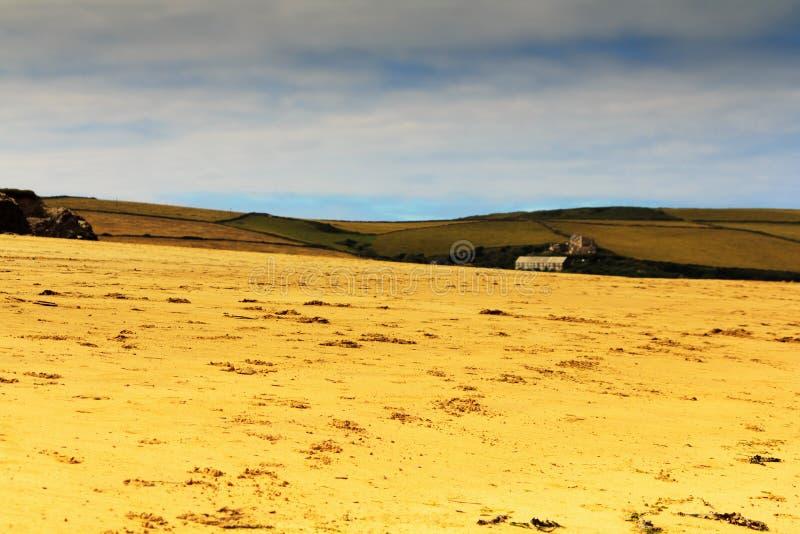 Download Belle Vue Au-dessus De La Mer Près De Padstow Image stock - Image du near, sable: 76083617