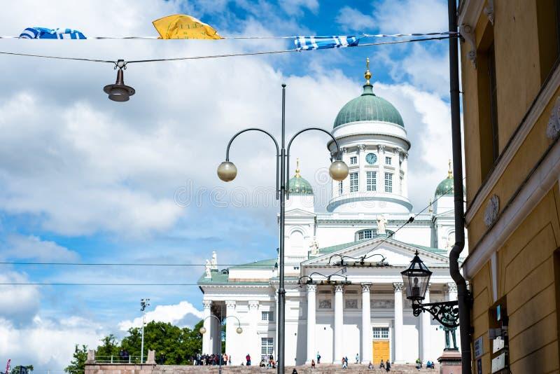 Belle vue de cathédrale célèbre de Helsinki dans la belle lumière de soirée, Helsinki, Finlande image libre de droits