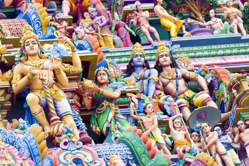 Belle vue de gopura coloré dans le Kapaleeshwarar indou Te photos stock