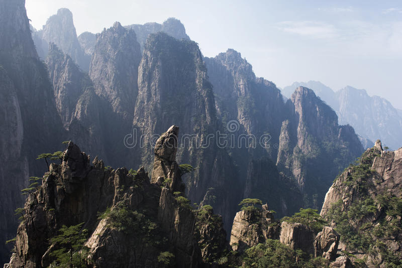 Belle vue de Huangshan - montagne jaune, Chine image stock