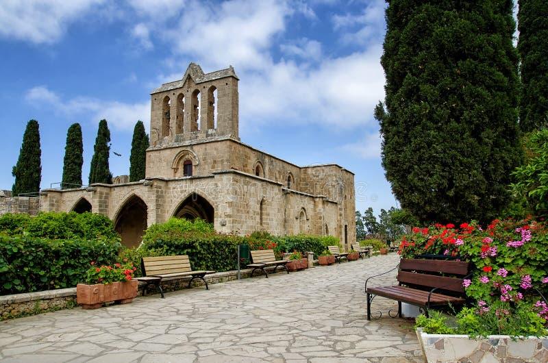 Belle vue de la construction de l'abbaye de Bellapais dans Kyrenia, République de la Chypre du nord photo stock