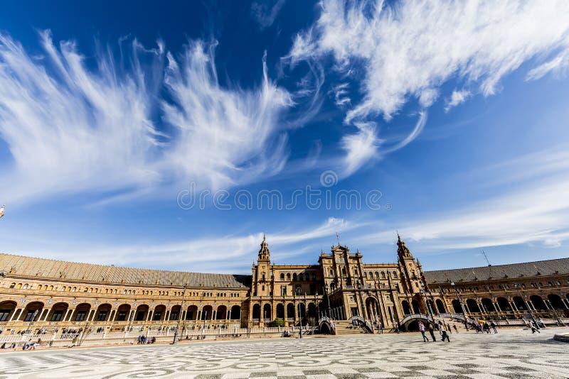 Belle vue de la plaza de españa en séville images libres de droits