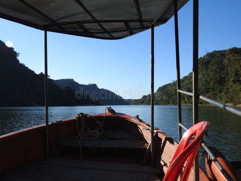 Belle vue de lac Kaptai, Chitagong photos stock