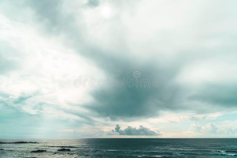 Belle vue de paysage marin d'océan au Portugal photographie stock