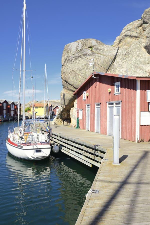 Belle vue de paysage de pêcher des maisons photographie stock libre de droits