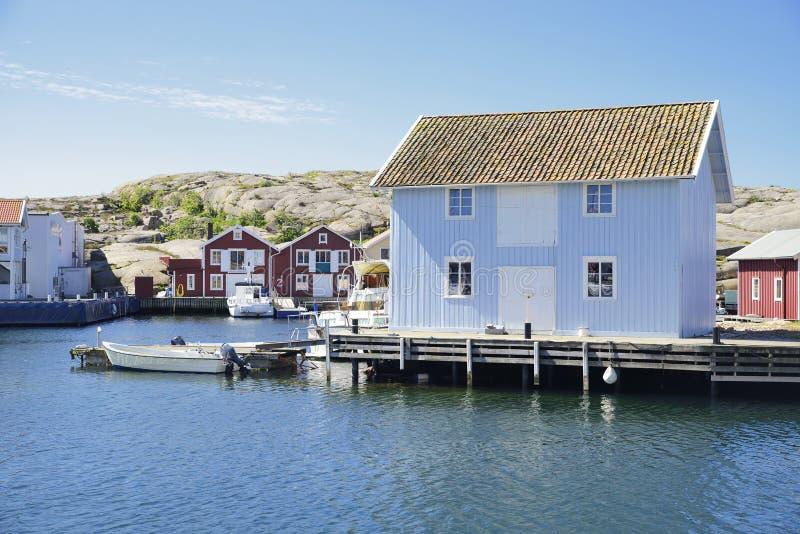 Belle vue de paysage de pêcher des maisons photographie stock