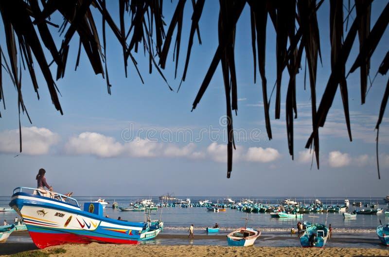 Belle vue de plage d'un matin typique dedans image stock