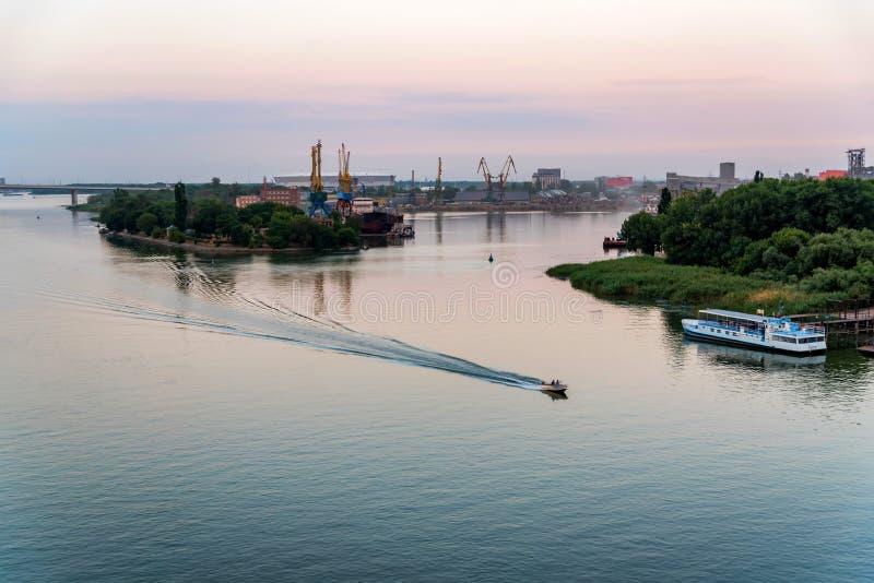 Belle vue de port et de rivière Don industriels de Rostov-On-Don images libres de droits