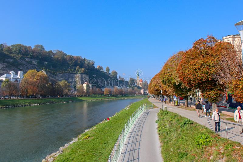 Belle vue de Salzbourg avec Festung Hohensalzburg photos stock