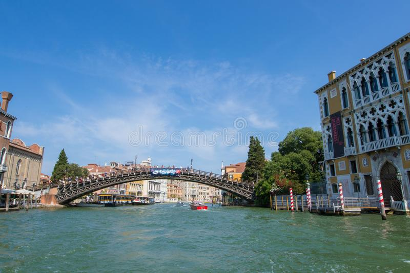 Belle vue de Venise et de Grand Canal ` Accademia de vallon de Ponte photos libres de droits