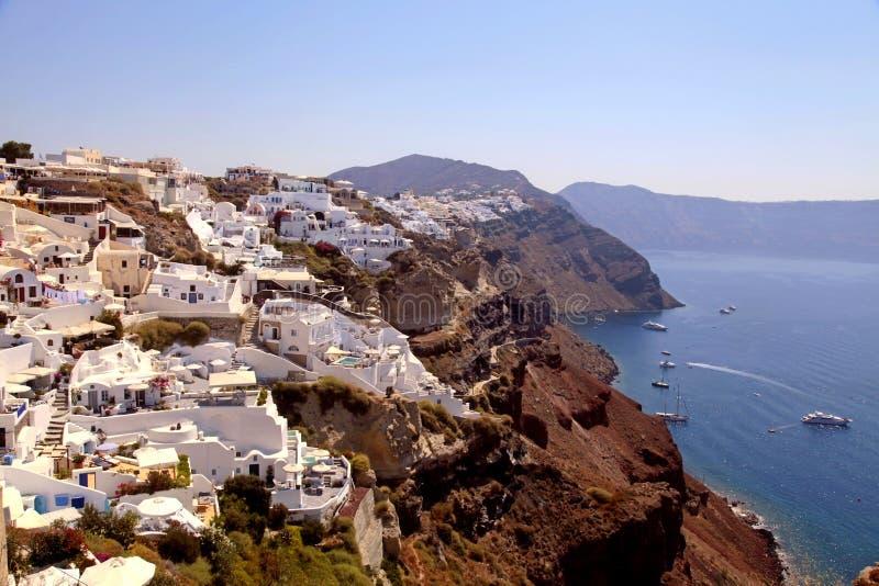 Belle vue de village d'Oia, de caldeira et de mer Égée, Santorini photo libre de droits