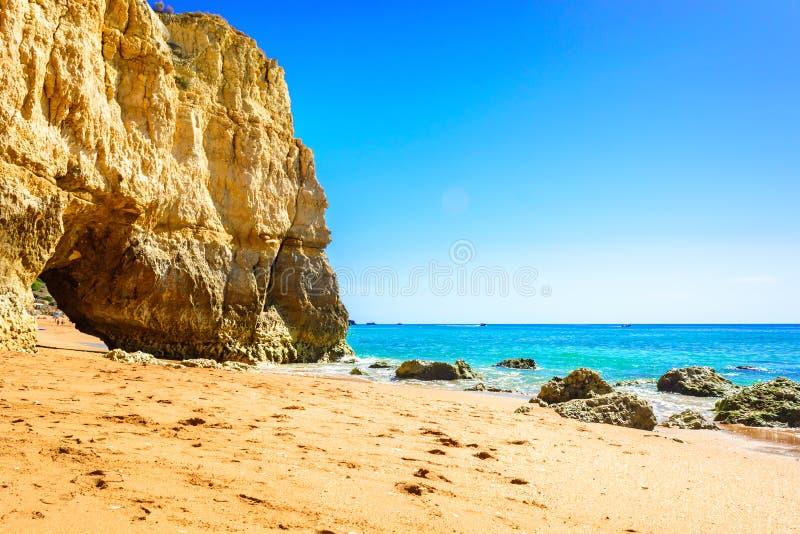 Belle vue du Praia DA Rocha dans Portimao, Algarve, Portugal images libres de droits