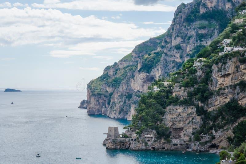 Belle vue du village Positano, province de Salerno, la région de Cliffside de la Campanie, côte d'Amalfi, Costiera Amalfitana, I photographie stock libre de droits
