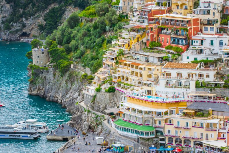 Belle vue du village Positano, province de Salerno, la région de Cliffside de la Campanie, côte d'Amalfi, Costiera Amalfitana, I images libres de droits