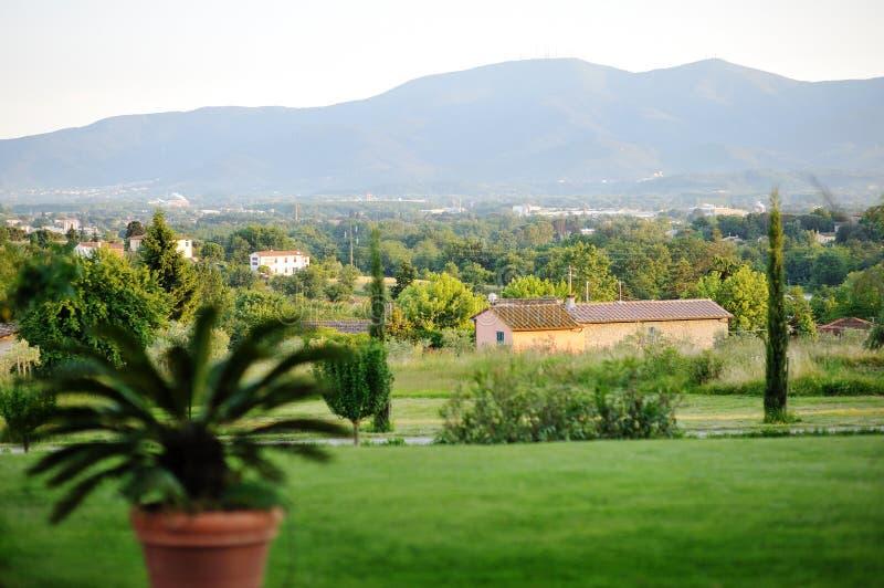 Belle vue panoramique du Toscan. Italie photographie stock libre de droits