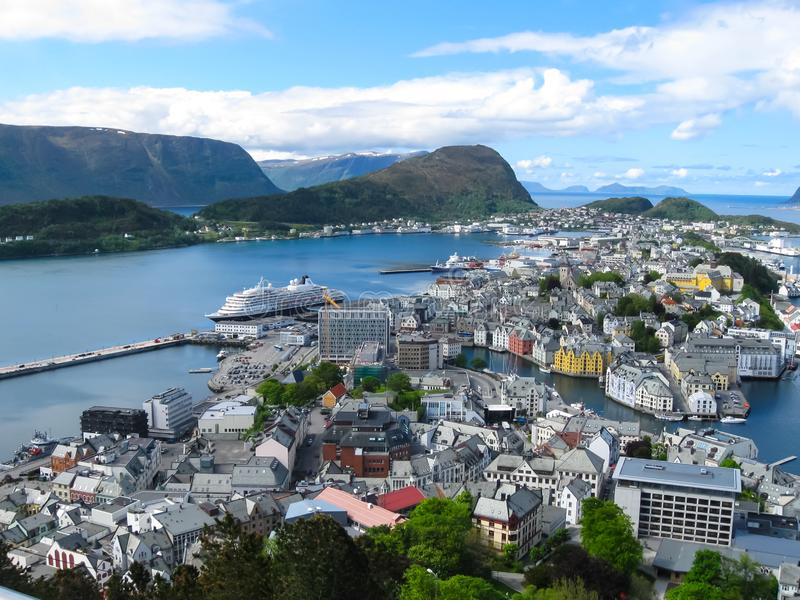 Belle vue sur Alesund Norvège photos stock