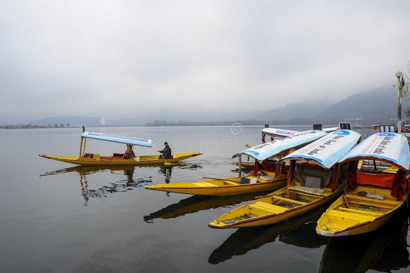 Belle vue sur Dal Lake Cachemire Inde photographie stock libre de droits