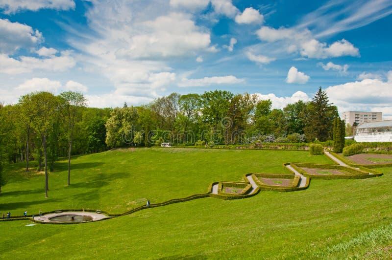Belle vue sur les terrasses en parc de Sofiyivsky dans Uman, Ukraine images libres de droits