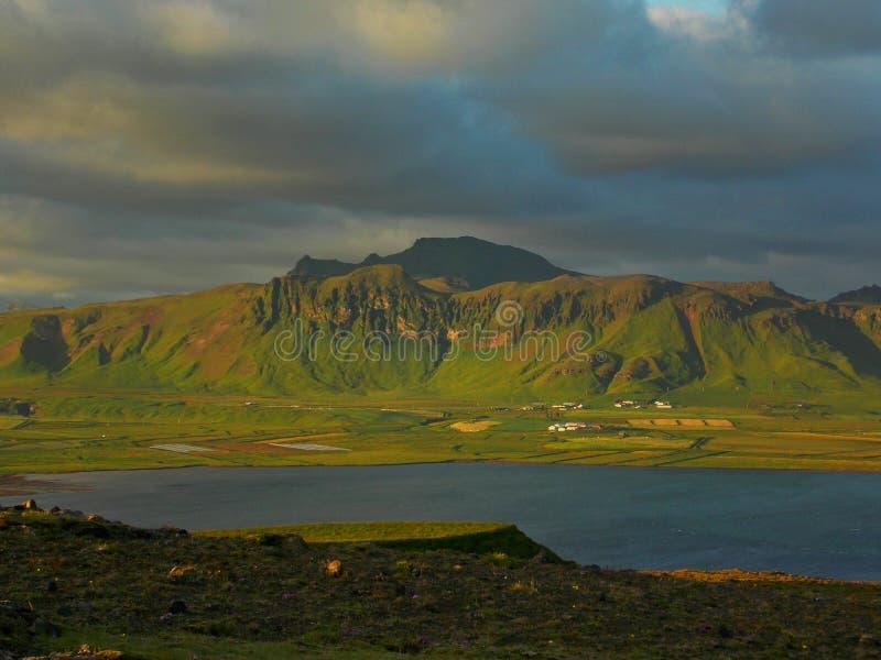 Belle vue sur une montagne photos libres de droits