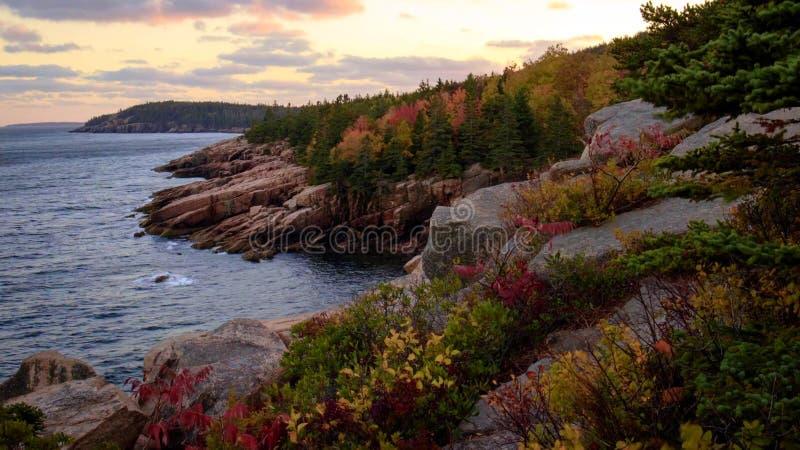 Belles couleurs de chute de parc national d'Acadia dans Maine Etats-Unis images stock