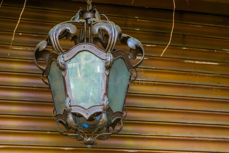 Belles décorations non allumées de lanterne, de maison ou de jardin de cru, conception classique image stock