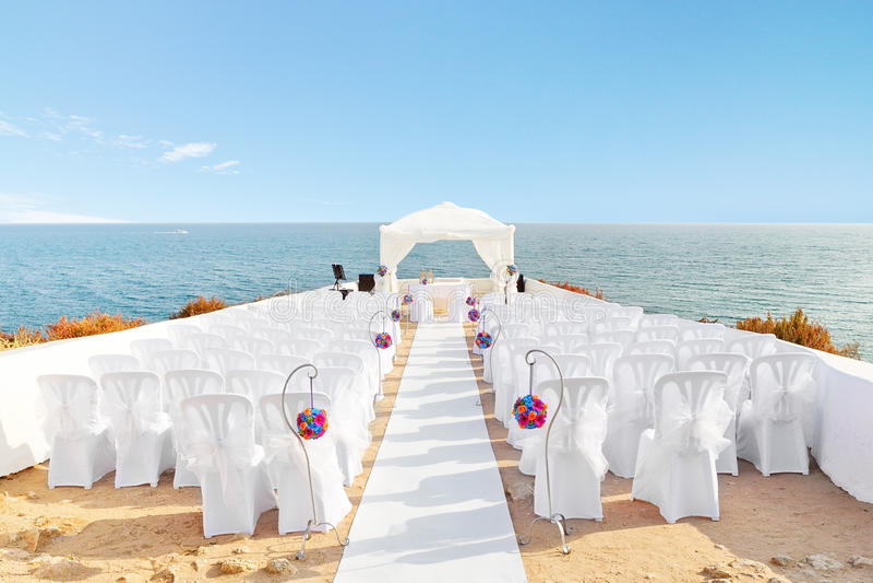 Belles décorations pour la cérémonie de mariage. photo libre de droits