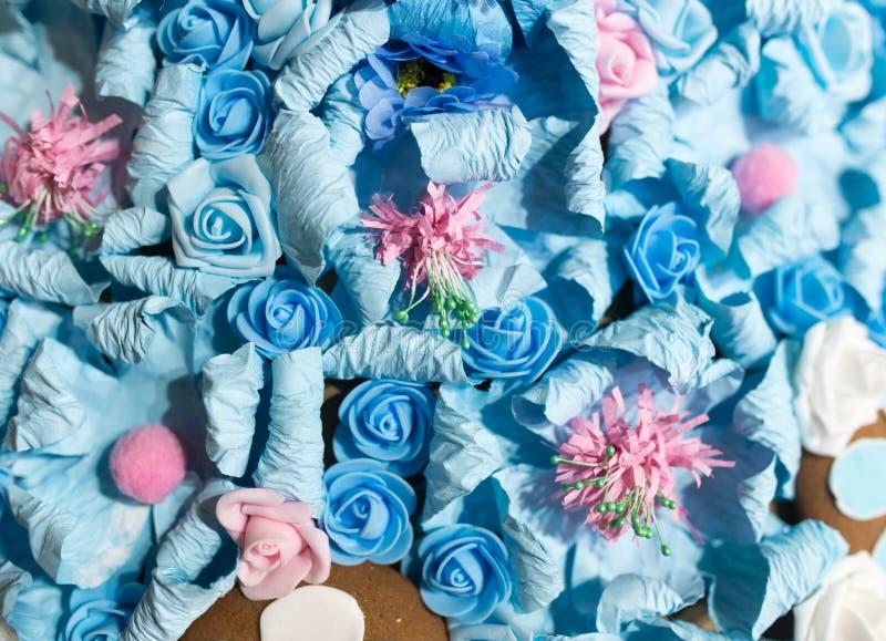 Belles fleurs bleues artificielles comme fond images stock