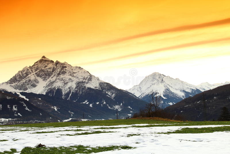 Belles montagnes à Innsbruck, Autriche images libres de droits