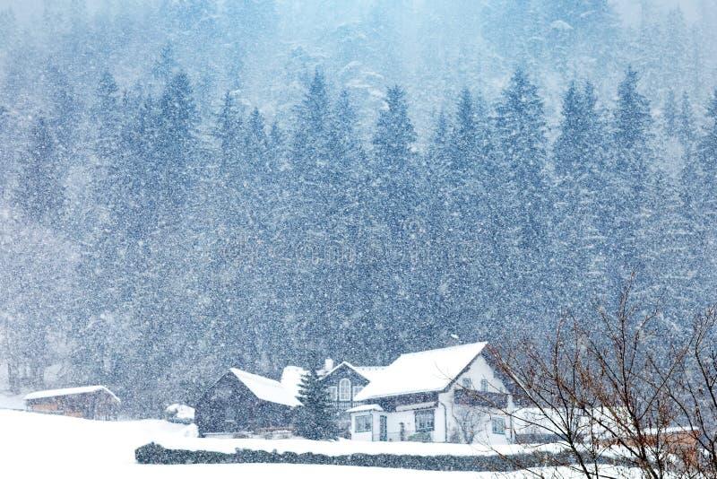Belles montagnes alpines Un paysage d'hiver en Autriche photos libres de droits
