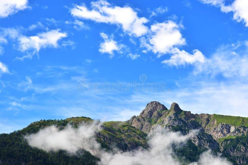 Belles montagnes en Autriche photos stock