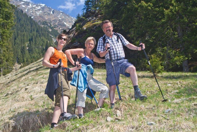 Belles montagnes et horizontal georgous image libre de droits