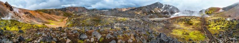 Belles montagnes volcaniques colorées Landmannalaugar en Islande, formation de la terre photo libre de droits