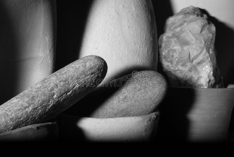 BELLES PIERRES EN BASSINS DE THON photographie stock libre de droits
