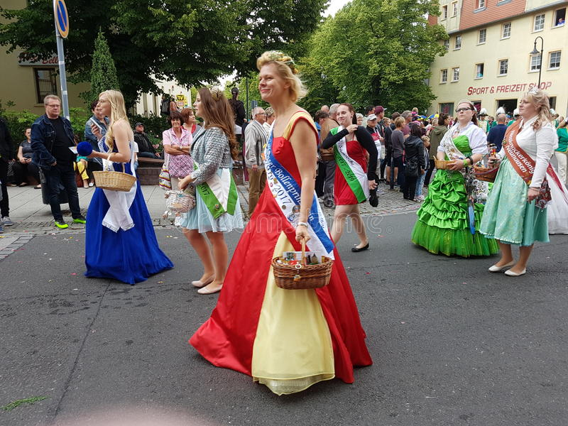 Belles robes images libres de droits