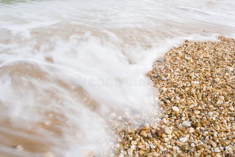 Belles vagues tirées avec la longue exposition photo libre de droits