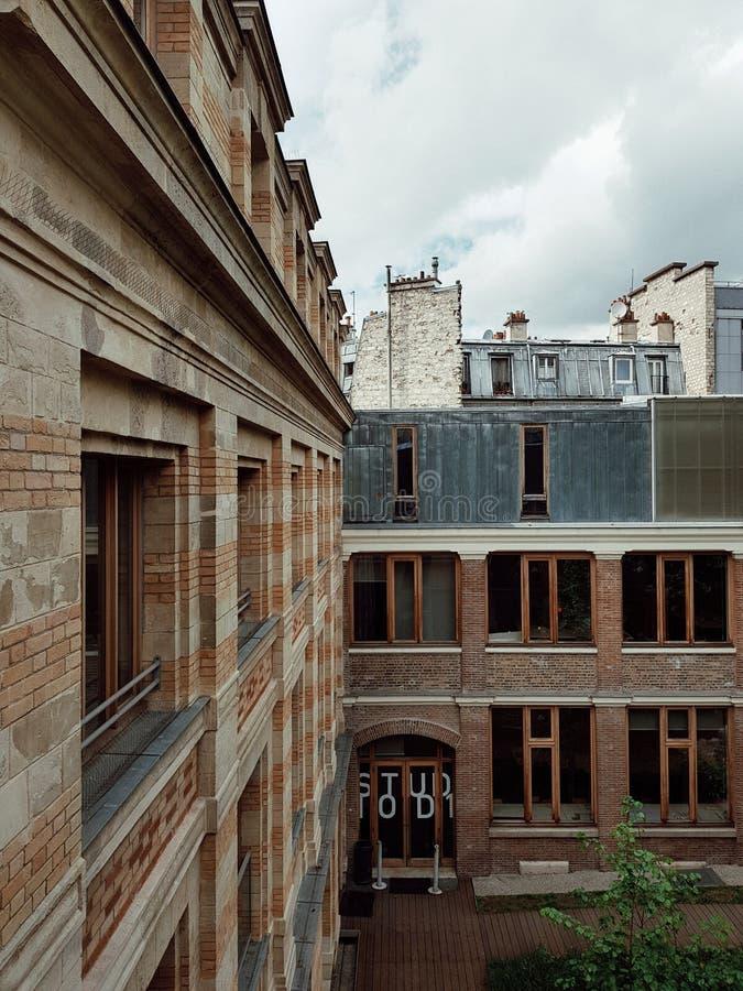 Belleville architektoniczna szkoła, Paryski Francja fotografia stock
