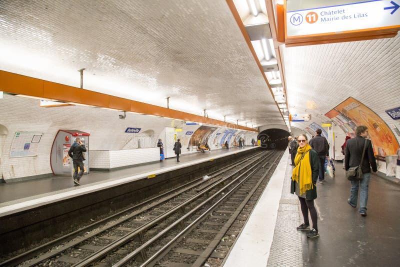 Belleville stacja metra w Paryż, Francja zdjęcie royalty free