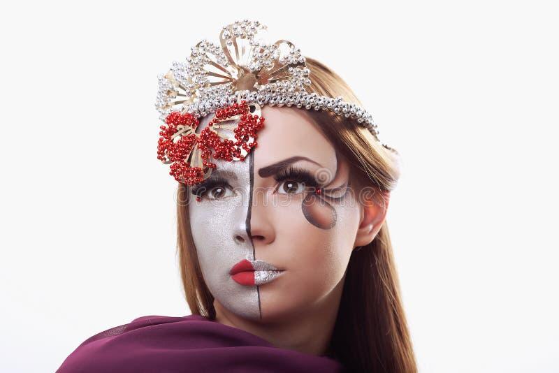 Belleza de la manera Manicura y maquillaje Clave el arte Mujer hermosa fotos de archivo