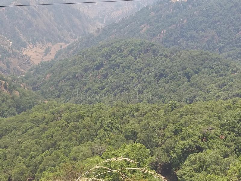 Belleza de la naturaleza de colinas de Uttarakhand Srinagar imagen de archivo libre de regalías