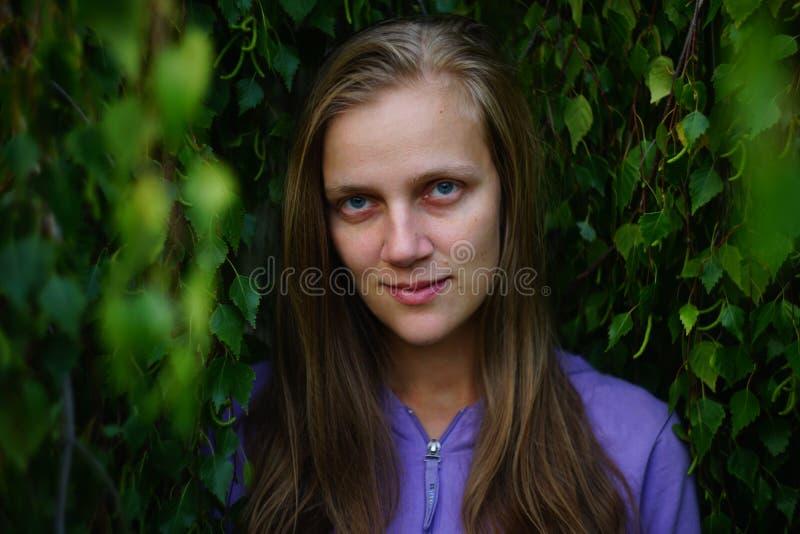 Belleza de la naturaleza de la mujer fotografía de archivo