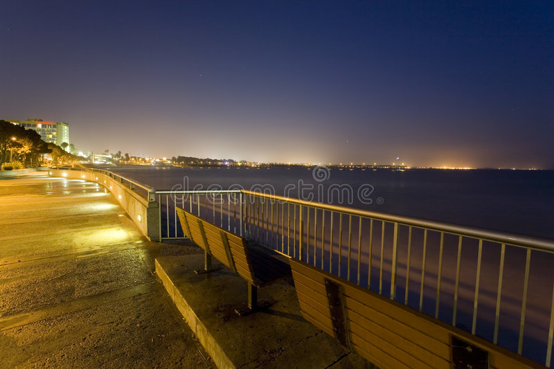 Belleza de la noche del océano imagen de archivo libre de regalías