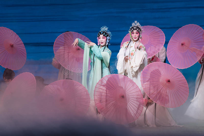 """Belleza del  blanco de Opera""""Madame Snake†del lago-Kunqu del oeste foto de archivo"""