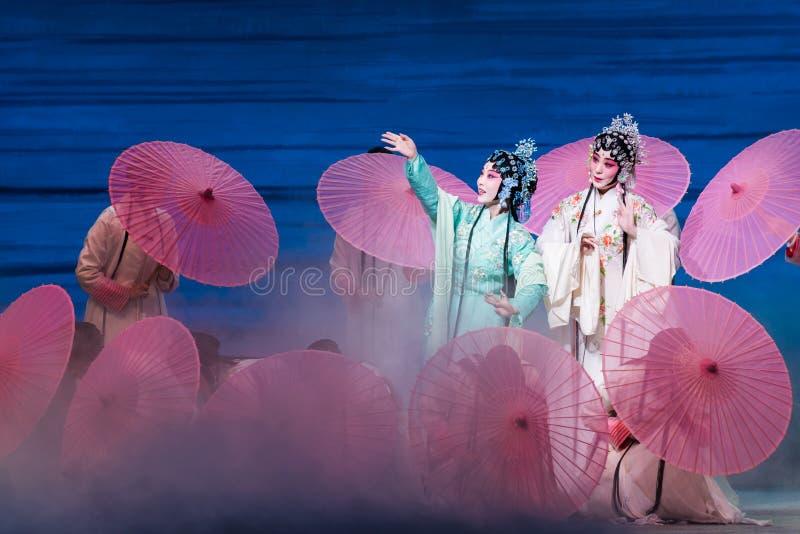 """Belleza del  blanco de Opera""""Madame Snake†del lago-Kunqu del oeste fotografía de archivo"""