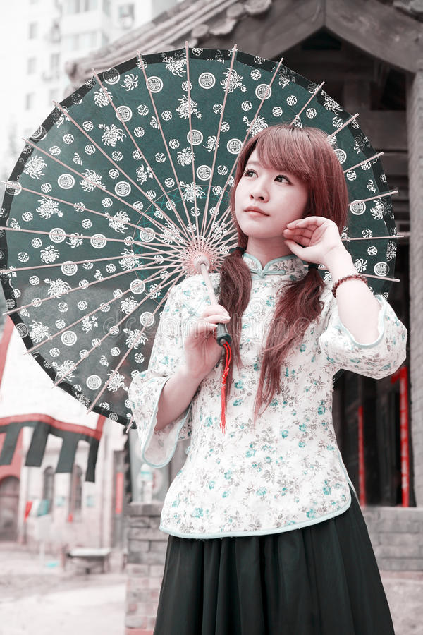 Bellezza cinese esterna. fotografie stock libere da diritti