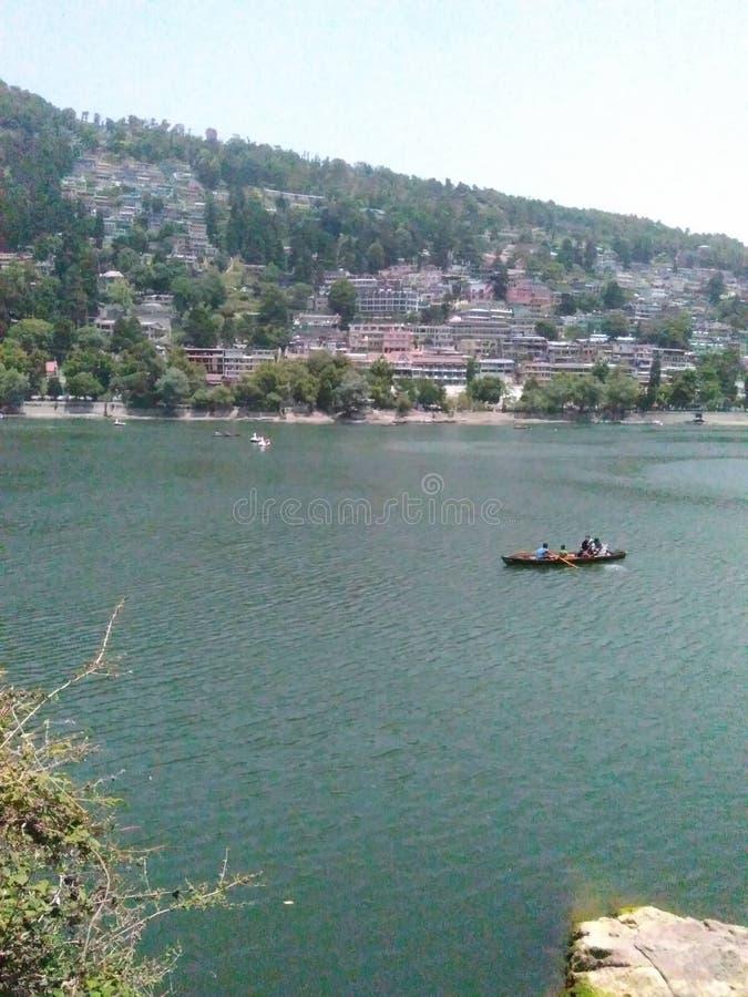 Bellezza del lago Naini fotografia stock libera da diritti
