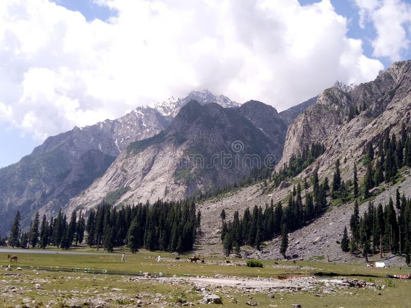 bellezza della montagna nel 😎 del  del 😠del pakistan immagine stock