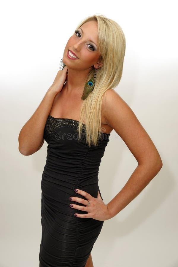 bellezza modello della donna con bei capelli biondi lunghi fotografia stock