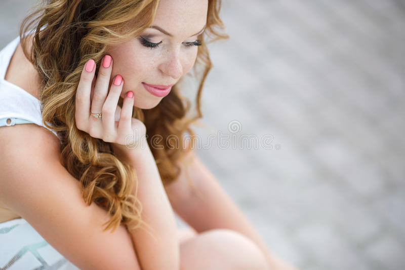 Bellezza naturale di salute di un fronte della donna fotografie stock