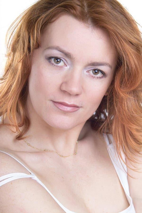 Bellezza rossa dei capelli fotografie stock libere da diritti