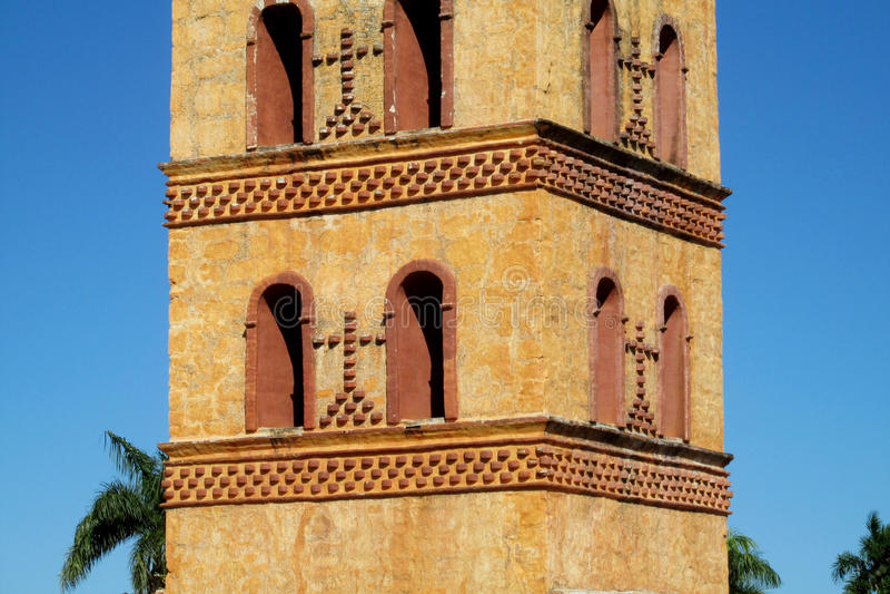 Bellfry i kristen kyrka fotografering för bildbyråer